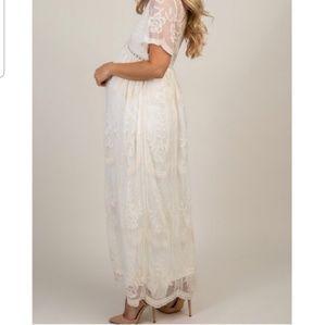 Pinkblush Dresses - Pinkblush white lace maternity dress
